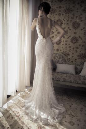 שמלת כלה גב חשוף עדינה