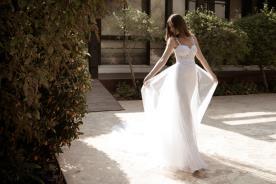 שמלת כלה ארוכה שובל עשיר