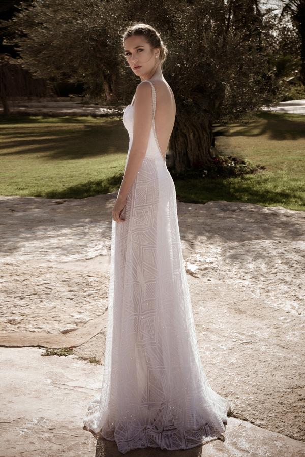 שמלת כלה מחורזת שקוף בצדדים