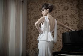 שמלת כלה עם עליונית רפויה