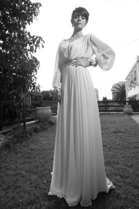 שמלת כלה עדינה צנועה עם שרוולים