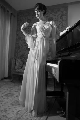 שמלת כלה קלאסית שרוולים וחגורה