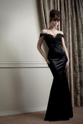 שמלת ערב שחורה אוף שולדר