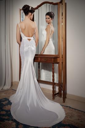 שמלת כלה מסאטן עם חגורה