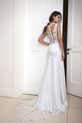 שמלת כלה גב חשוף וחצאית חרוזים