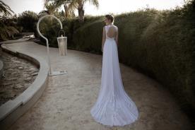 שמלת כלה אלגנטית שובל מעוטר