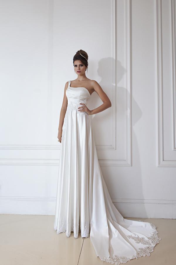 שמלת כלה סאטן כתפייה אחת ושובל