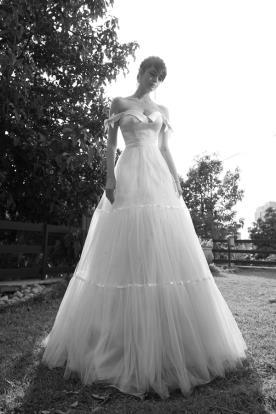 שמלת כלה אוף שולדר טול קומות