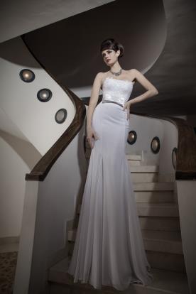 שמלת כלה סטרפלס עם חגורה
