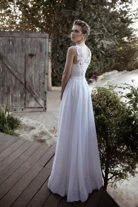 שמלת כלה גב מעוטר עדין