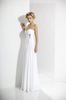 שמלת כלה סטרפלס מעוטרת תכשיט
