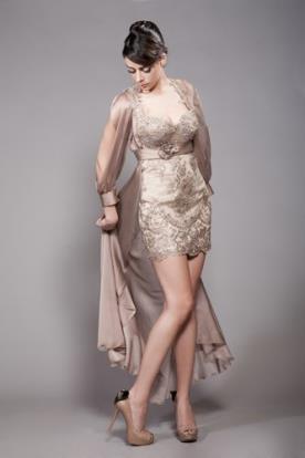 שמלת מיני מעוטרת תחרה לערב