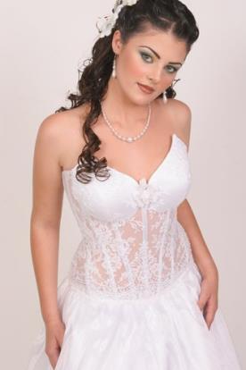 שמלה כלה מחוך עשוי תחרה