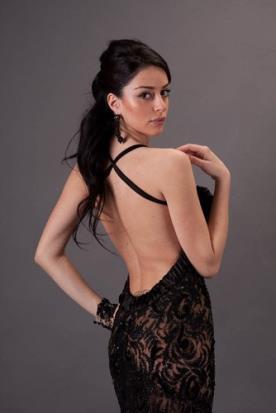 שמלת ערב אלגנטית עם גב פתוח