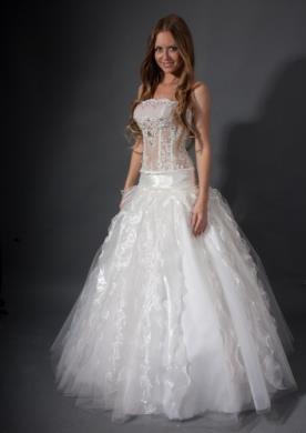 שמלת כלה זוהרת ללוק רומנטי