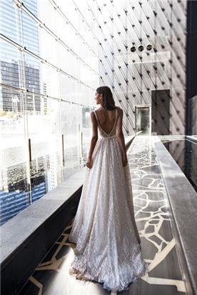שמלה נפוחה גב חשוף
