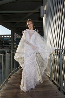 שמלת מחשוף עם עליונית