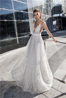 שמלה נשפכת ומתנפחת