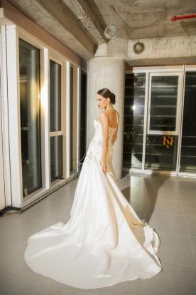 שמלת כלה מרשימה בלתי נשכחת