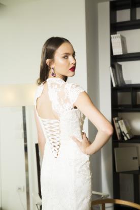 שמלת כלה מרהיבה עם קשירה בגב