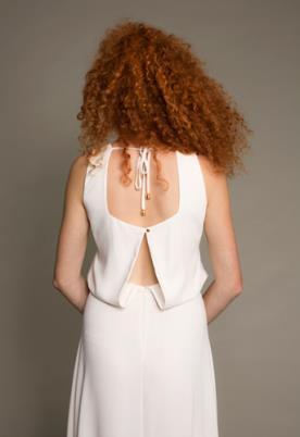 שמלת כלה גב נשפך