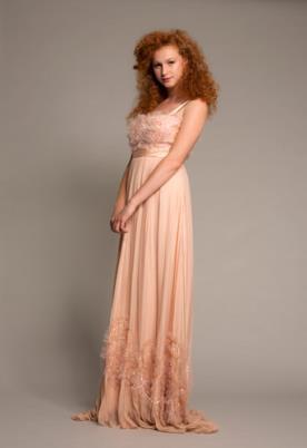 שמלת ערב כפרית בצבע אפרסק