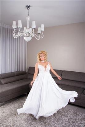 שמלת כלה עם פפיון