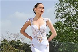 שמלה בשילוב תחרה שקופה בחלק העליון