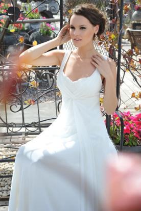שמלת כלה קלאסית נשפכת וכיווצים