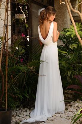 שמלת כלה עם גב נשפך עדין