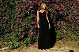 שמלת ערב עם מחשוף עמוק