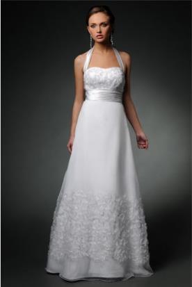 שמלת כלה רומנטית עם טקסטורה
