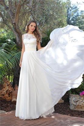 שמלת כלה בדגם קולר, בשילוב תחרה באזור המחשוף