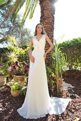 שמלת כלה עם פפיון קדמי על חגורת מותן