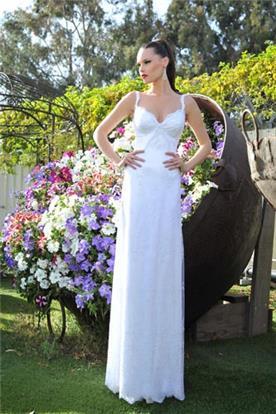 שמלת כלה ארוכה עם מחשוף לב וכתפיות