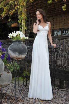 שמלת כלה כפרית עם מחשוף