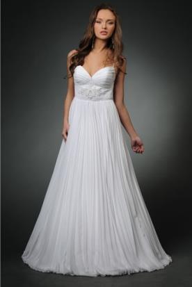 שמלת כלה רומנטית עם חצאית מנופחת