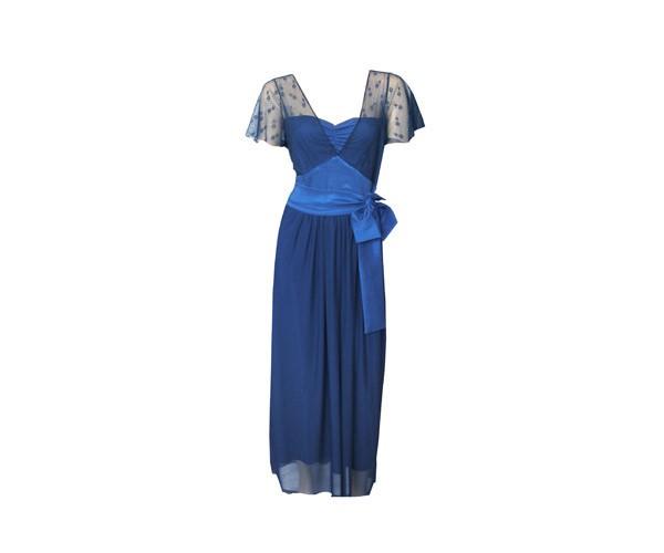 שמלת ערב כחולה עם טול מנוקד