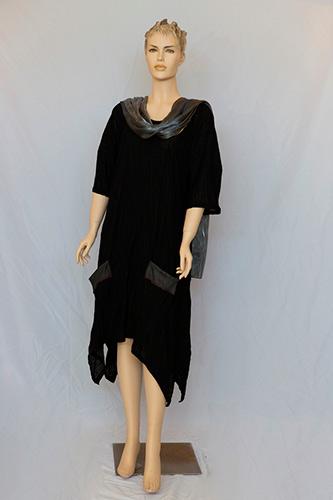 שמלת ערב שחורה מיני נשפכת