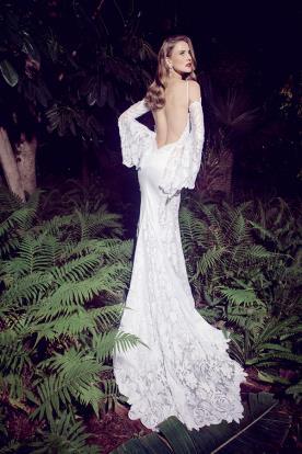 שמלת כלה גב חשוף שרוולים רחבים