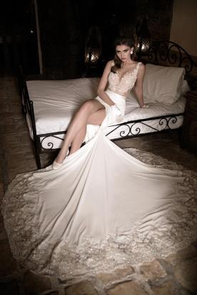 שמלת כלה מיני שובל ארוך