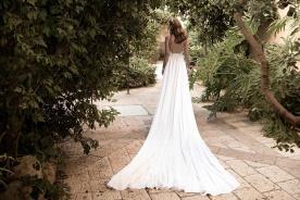 שמלת כלה גב חשוף שובל ארוך