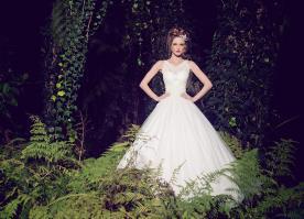 שמלת כלה רומנטית בצבע שמנת