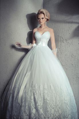 שמלת כלה מחוך עם חרוזים