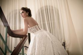 שמלת כלה מחוך שריכה בגב