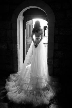 שמלת כלה שובל טול מכווץ