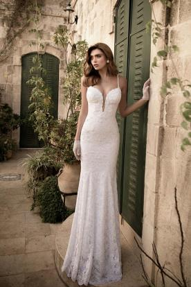 שמלת כלה תחרה לבנה עדינה