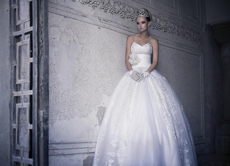 שמלת כלה רומנטית נפוחה