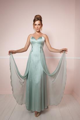 שמלת ערב עם שובל שיפון בצבע טורקיז