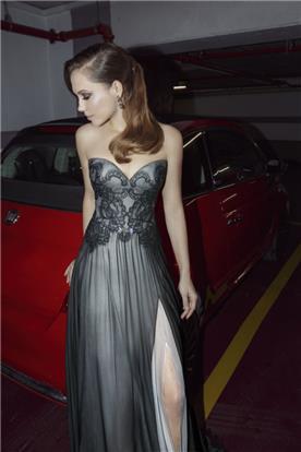שמלה ערב אפור בשילוב תחרה בצבע תואם